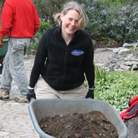 rain-garden-resources-wheelbarrow